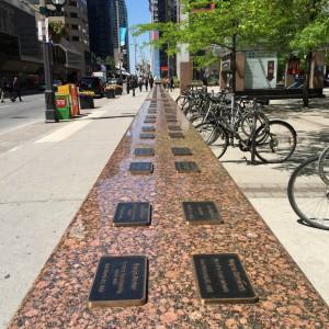 Ontario minns genom John Scott och Stewart H Pollock 100 av de arbetare som under några år dött i arbetsplatsolyckor.