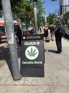 Cannabis får säljas för medicinskt bruk av företag med licens. Även i chokladkakeform, enligt nytt domstolsutslag.