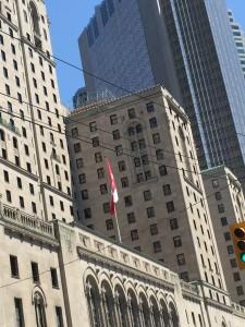 Engelskspråkiga Torontoto med stor fransk minoritet.