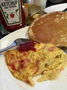 Pannkakor, french toast, våfflor, gärna med sirap, sylt - eller ketchup till frukost. Men det finns alternativ.