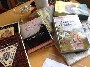 LM Montgomery, Alice Munro, Robertson Davies - fantastiska berättare från Kanada.